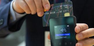Płacenie kartą przez internet - czy warto?
