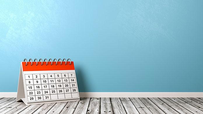 Kalendarz biurkowy, jako gadżet podarunkowy dla kontrahenta. Jak go przygotować?