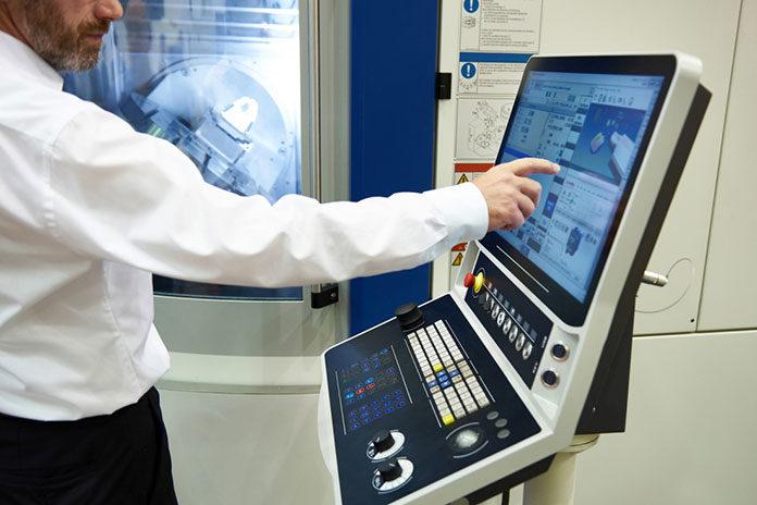 Czym powinien charakteryzować się operator maszyn CNC?