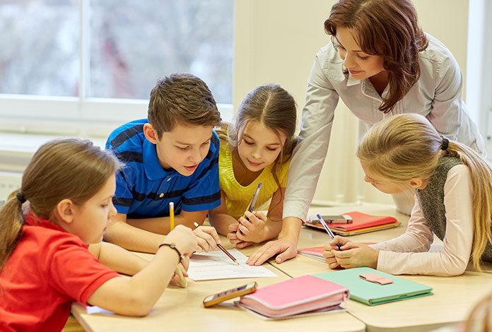 Jakie akcesoria przydają się w pracy nauczyciela